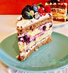 TORT ANIVERSAR CU FRUCTE DE PADURE - Flaveur Baking Recipes, Cake Recipes, Dessert Recipes, Romanian Desserts, Fresh Fruit Cake, Catering Food, Diy Cake, Healthy Sweets, Homemade Cakes