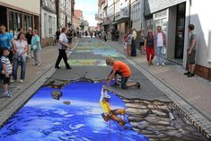 street art so incredible you could mistake it as real. Everything is better with art. Amazing street art that will blow you away. 3d Street Art, Amazing Street Art, Street Artists, Amazing Art, Illusion Kunst, Illusion Art, 3d Sidewalk Art, Pavement Art, 3d Chalk Art