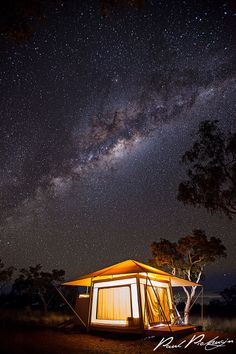 Glamping in Karijini National Park should most definitely be on your to do list for is well worth the visit. Family Glamping, Kings Park, Great Barrier Reef, Capital City, Milky Way, Stargazing, Western Australia, Night Skies, The Good Place