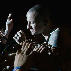 New details about the death of Chester Bennington, the singer of the Linkin Park band, who was found dead about a week ago Linkin Park Chester Bennington, Charles Bennington, Linking Park, Brad Delson, Grunge, Mike Shinoda, Rest In Peace, Beautiful Soul, Clip