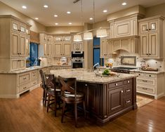 changing up the cabinets is among the most surefire methods of altering your kitchen for the better! https://decorspace.net/100-simple-and-elegant-cream-colored-kitchen-cabinets-design-ideas/