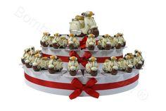 Torta da 38 fette Vespine bianche #tortabomboniera #vespina #ideabomboniera