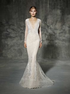 Stunning long sleeve wedding dress from Yolan Cris