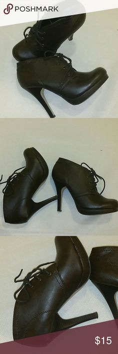 """Madden Girl booties size 7 Brown booties. Look fabulous with jeans, skirt or dress. 4.5"""" heel. Gently used. Madden Girl Shoes"""