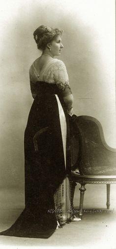 carolathhabsburg:  Queen Victoria Eugenia of Spain, early 1910s