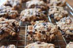 Freezer Cooking in an Hour: Bananas, Chicken, Breakfast Cookies, and Cheeseburger Casserole Yummy Treats, Delicious Desserts, Yummy Food, Homemade Breakfast, Breakfast Recipes, Cookie Money, Chicken Breakfast, Breakfast Cookies, Breakfast Biscuits