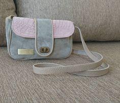 Nuevo modelo.  Pocket ideal para llevar lo justo.  #leatherbags #lumiere #modafemenina #itgirlstyle #it #tendencias #accesorios #carteras #verano2017 #instamoda #ideaslook #bags #fashionblogger #fashionbag  #onlineshop #modaargentina #argentina #onlinemarketing #navidad