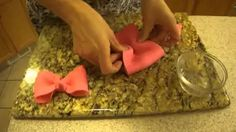 how to make a fondant minnie mouse bow - YouTube