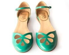 Green Pie  Sandal in green leather  Handmade in by QuieroJune