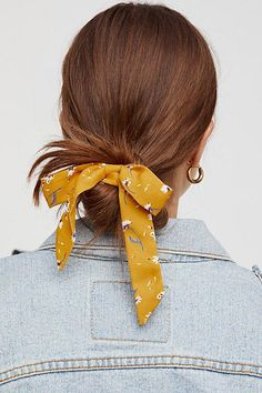 Bow Scrunchie Bow Scrunchie Secure Your Strands With This Too Cute Scrunchie Featuring A Femme Bow Detail Bow Scrunchie Free People Scarf Hairstyles, Braided Hairstyles, Updo Hairstyle, Quick Hairstyles, Everyday Hairstyles, Prom Hairstyles, Hair Dos, Hair Ponytail, Short Hair Cuts