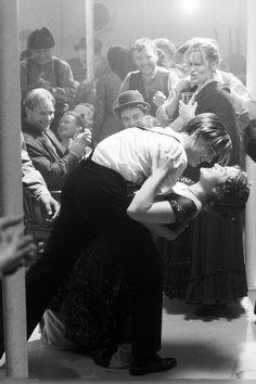"scene Kate Winslet as Rose DeWitt Bukater and Leonardo DiCaprio as Jack Dawson - '. Kate Winslet als Rose DeWitt Bukater und Leonardo DiCaprio als Jack Dawson - ""Titanic"", Jack Dawson, Movie Couples, Cute Couples, Iconic Movies, Good Movies, Films Quotes, La Haine Film, Film Titanic, Kate Titanic"