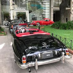 Black Mercedes Benz #190SL. Pic ©GTO Classic&Sport Cars, Argentina / #BruceAdams190SL #190SLRestorations