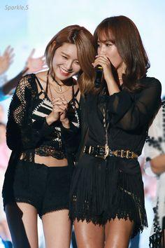 Snsd Fashion, Fashion Outfits, Girls Generation Sunny, Sooyoung, Beautiful Gowns, Kpop Girls, Sunnies, My Girl, Korean Idols