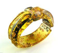 Extremely RARE Vintage 1930s Carved Stardust Applejuice Bakelite Hinged Bracelet