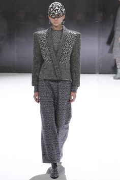 Anrealage Fall 2016 Ready-to-Wear Collection Photos - Vogue