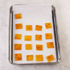 What if I told you you could turn a single slice of cheese into a cracker? Well, you should! This hack makes a keto-friendly Cheez-It–like cracker, and it couldn\\ Comida Diy, Comida Keto, Tasty Videos, Food Videos, Recipe Videos, Easy Snacks, Keto Snacks, Cheese Crisps, Nacho Cheese