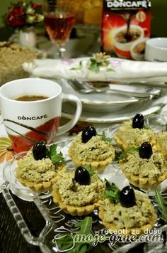 Posna riblja pašteta i posne korpice Pita Recipes, My Recipes, Soup Recipes, Cookie Recipes, Vegan Recipes, Dessert Recipes, Posna Predjela, Kolaci I Torte, Serbian Recipes