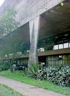 Joao Vilanova Artigas (1915-1985) Faculdade de Arquitetura e Urbanismo da Universidade de São Paulo