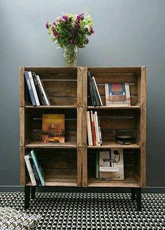 Intéressant d'imaginer les bibliothèques en caisse de vin avec des pieds.