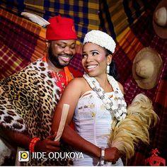 Happy Sunday lovelies!❤ Congratulations Ngozi and Kama. Makeup by @iposhlooks. Photography by @jideodukoyaphotography. #africansweetheartweddings #traditionalwedding