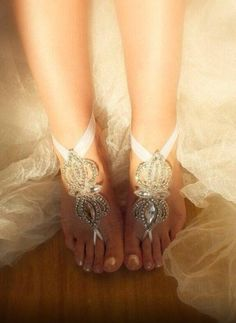 Perfect anklets for a beach wedding