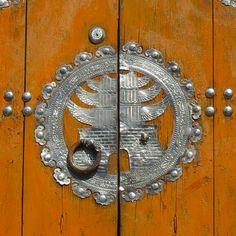 Intricate art on door | Flickr - Photo Sharing!
