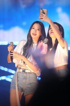 ~♥ (with Eunbi) Yu Jin, Kim Min, Japanese Girl, One Pic, Crop Tops, Concert, Women, Events, Kpop