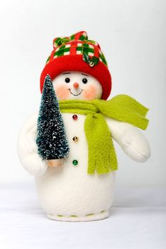 Crochet ideas that you'll love Christmas Mood, Christmas Signs, Felt Christmas, Christmas Snowman, Vintage Christmas, Christmas Ornaments, Sock Snowman Craft, Snowman Crafts, Xmas Crafts