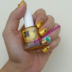 August Nail Art Challenge by Californails Day 14: Pineaplle. Yellow and Green Pineapple Nails using Cecile #75