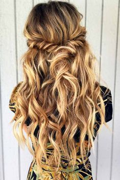Prom hair styles are always chosen long time before the event, and this tendency is not groundless. So, you need to be prepared beforehand. Let us pick you the most flattering hairstyle. #promhairstylesforlonghair #promhairstyles #promhair #homecominghairstyles