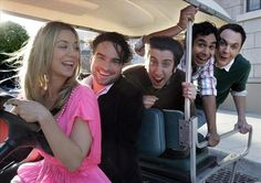 Cast Members Of The Big Bang Theory – 30 Pics