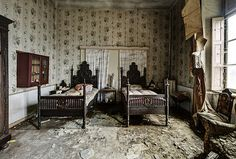 The twin's room | Dan Raven | Flickr
