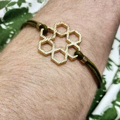 We love this write up from the super talented Lou Locket about designing jewelry on our platform.  #fblogger #3dprinted #custom #jewelry #bracelet