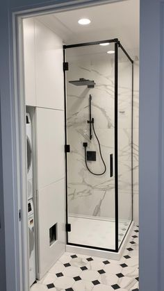 Washroom Design, Kitchen Room Design, Toilet Design, Bathroom Design Luxury, Home Room Design, Bathroom Layout, Modern Bathroom Design, Home Interior Design, Small Bathroom Interior