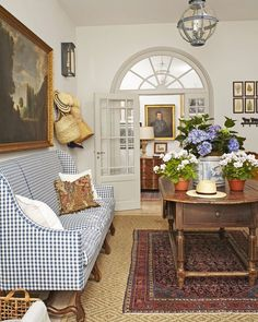 French Country Rug, French Country Living Room, French Farmhouse, French Country Decorating, Country Farmhouse, English Living Rooms, Cottage Decorating, French Home Decor, Farmhouse Chic