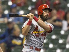 Cardinals derrota por segunda jornada a Brewers por paliza de 10-3.