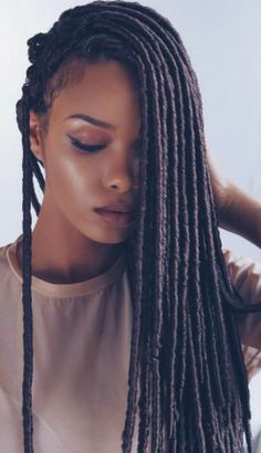 You Would Never Guess What Makes This Faux Locs Protective Style So Incredible. But You Have To See The End Result Schöne Faux Locs Faux Locs Hairstyles, Protective Hairstyles, Protective Styles, Black Hairstyles, Wedding Hairstyles, Faux Dreads, Dreadlocks, Faux Locs Marley Hair, Curly Hair Styles