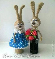Bunny v očakávaní priateľa, s kyticou New Crafts, Craft Stick Crafts, Crafts To Make, Arts And Crafts, Bunny Crafts, Easter Crafts, Wine Craft, Sock Dolls, Glass Bottle Crafts