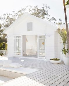 Three Birds Renovations – Bonnie's Dream Home – Alfresco Living We are want . - Three Birds Renovations – Bonnie's Dream Home – Alfresco Living We are want to say thanks if - Exterior Design, Interior And Exterior, Three Birds Renovations, Casa Patio, House Goals, Beach Cottages, Home Renovation, Cottage Renovation, Home Fashion