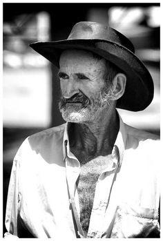 In Marinilla by OSCAR DEL VALLE RUIZ Farmers, Portraits, Scouts, Head Shots, Portrait Photography, Portrait Paintings, Headshot Photography, Portrait