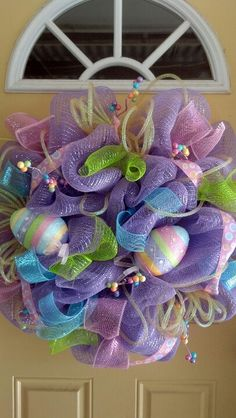 SA Easter Wreath-I like the colors, but I prefer to leave the center open. Hoppy Easter, Easter Gift, Easter Crafts, Easter Bunny, Easter Tree, Easter Wreaths, Holiday Wreaths, Ribbon Crafts, Diy Crafts
