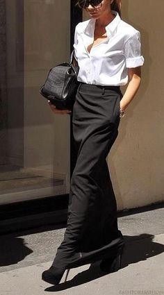 classic white shirt with long black skirt and high heels - street style - VB Moda Victoria Beckham, Victoria Beckham Style, Victoria Style, Victoria Beckham Outfits, Mode Outfits, Skirt Outfits, Fashion Outfits, Hijab Fashion, Fashion Mode