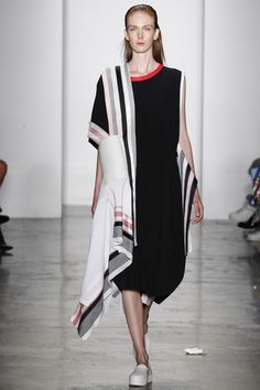 See the complete Parsons MFA Spring 2016 Ready-to-Wear collection.