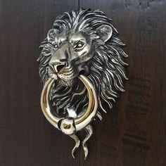 Antique Door Knockers, Door Knockers Unique, Lion Door Knocker, Unique Housewarming Gifts, Door Accessories, Unique Doors, 3d Wall Art, Lion Sculpture, Industrial Design