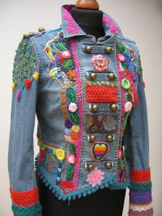 Solve Upcycled Jacke, Wearable Art jigsaw puzzle online with 252 pieces Boho Gypsy, Bohemian Mode, Gypsy Style, Boho Style, Sculptural Fashion, Refashion, Diy Clothes, Wearable Art, Diy Fashion