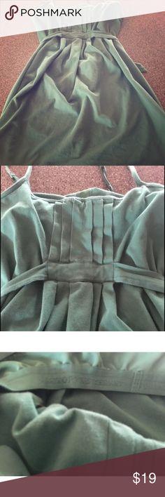 M medium Victoria secret green dress bra top This is a victoria secret old school type vintage dress w the bra top built in!! Will look beautiful on you! Dresses Midi