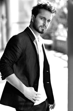 Murat Boz turkısh singer and model .