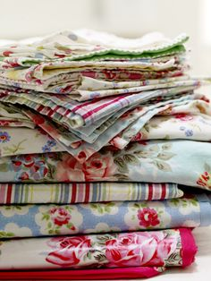 Simply love these cottage prints for table coverings and dish towels....especially in the summer.
