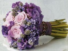 Purple wedding flowers ideas | Wedding Blog Ideas and Tips