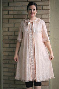 Vintage Light Pink Lacy Odette Barsa House Coat Robe Bed Jacket Lounge Wear 1950s
